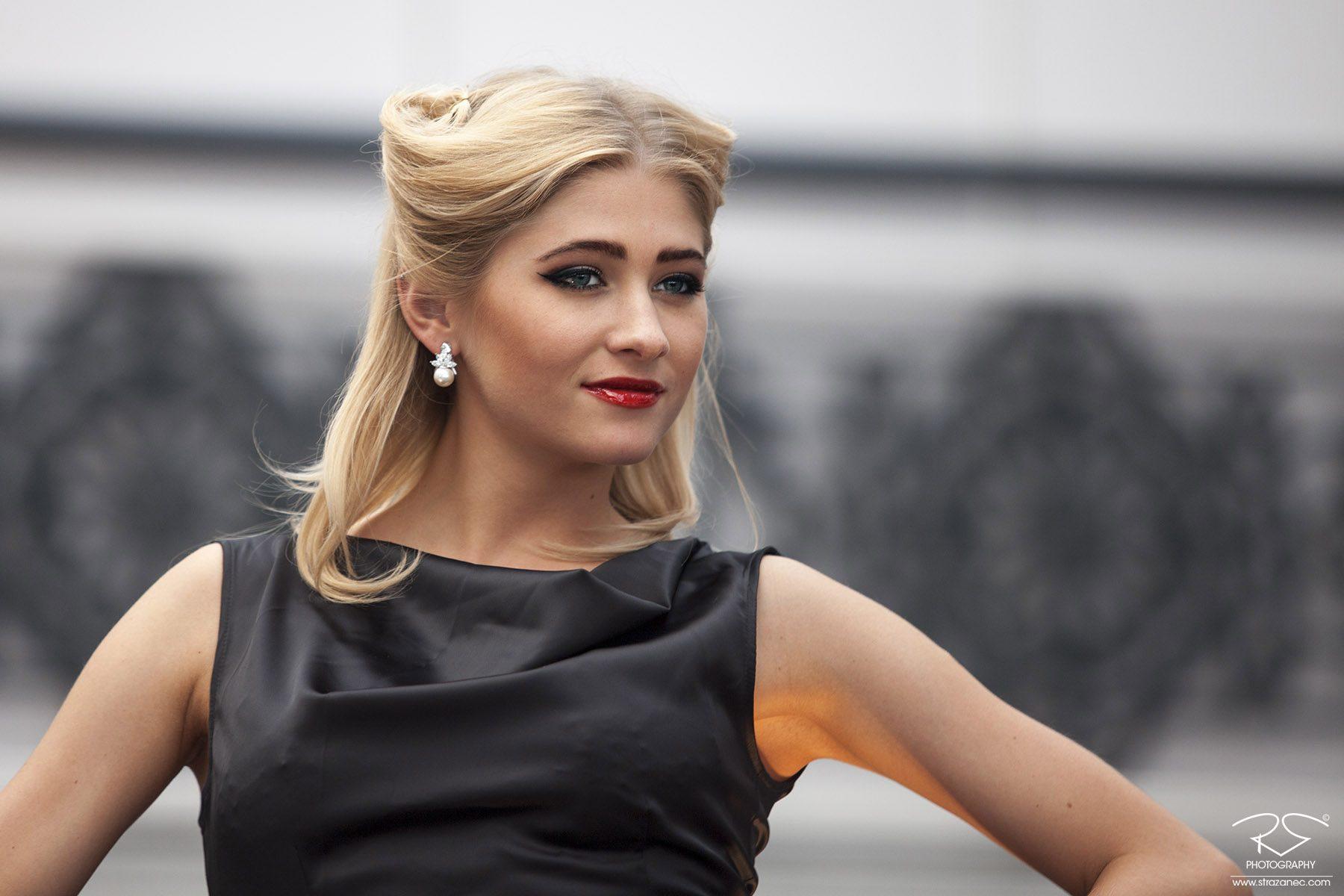 strazanec photography- blond model
